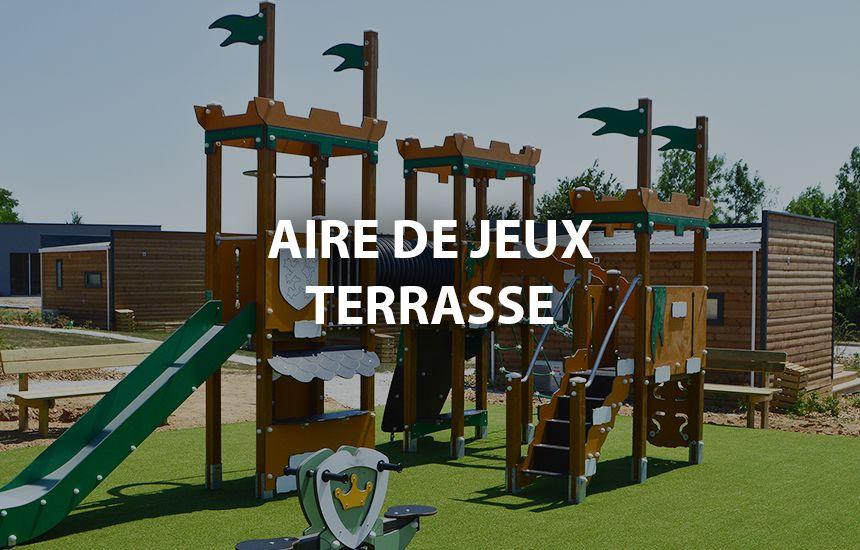 Aire de jeux et terrasse