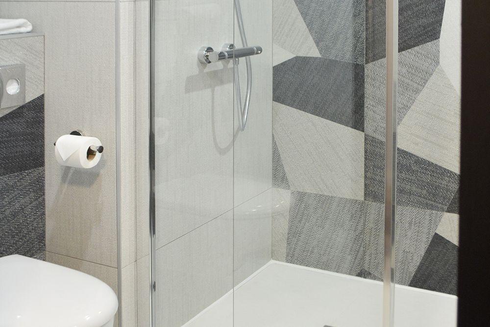 Salle d'eau AX HOTEL chambre