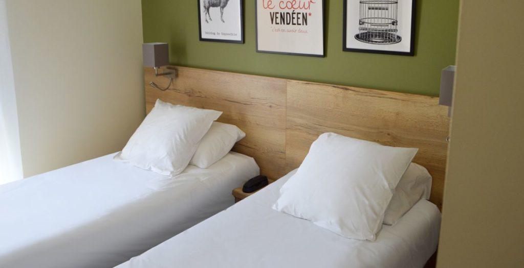Chambre double lits jumeaux hôtel vendée